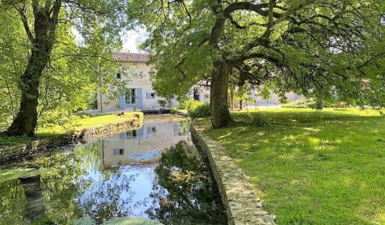 Maison avec terrasse Chef-Boutonne