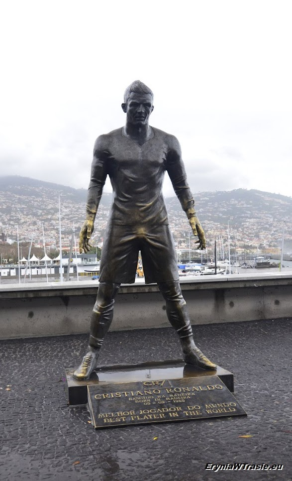 przy muzeum Cristiano Ronaldo