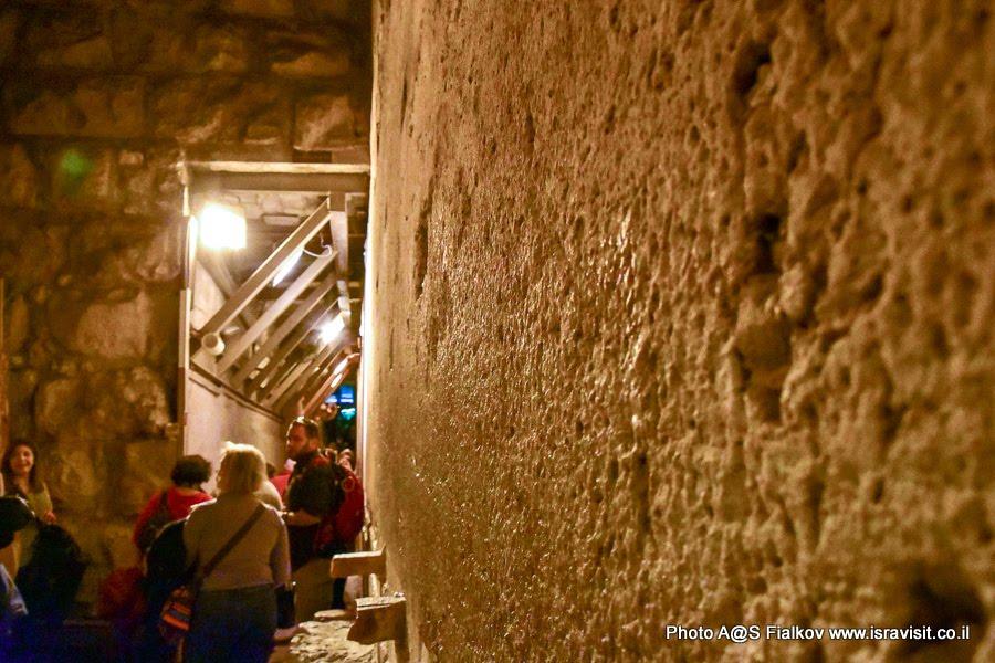 Экскурсия в Иерусалиме в туннеле Стены Плача.