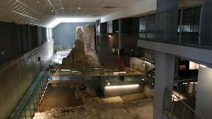 Yacimientos arqueológicos del interior del museo.