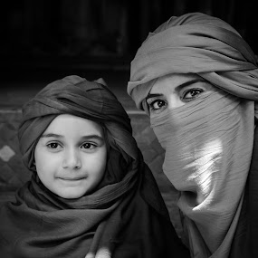 Morocco - Marrakech souk by Amine Fassi - People Family ( marrakech, aminefassi, black and white, street, bw, morocco, people, portrait, maroc )
