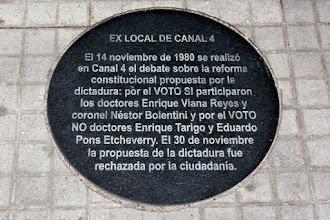 Photo: Marcas de la Memoria (16) Debate por el plebiscito, 14/11/1980. Canal 4. Avda. 18 de Julio 1855, esq. Eduardo Acevedo. Placa conmemorativa.