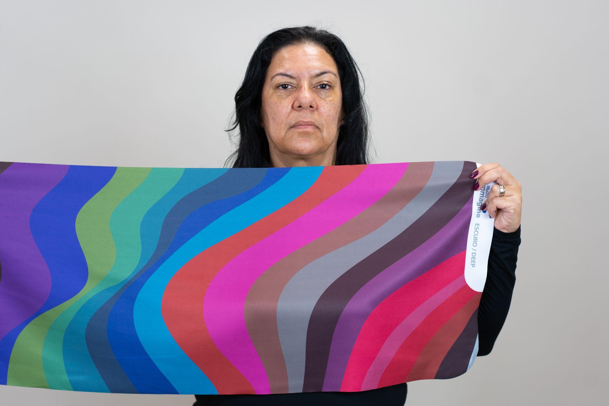 Tecido de Profundidade Escura na Análise de Coloração Pessoal