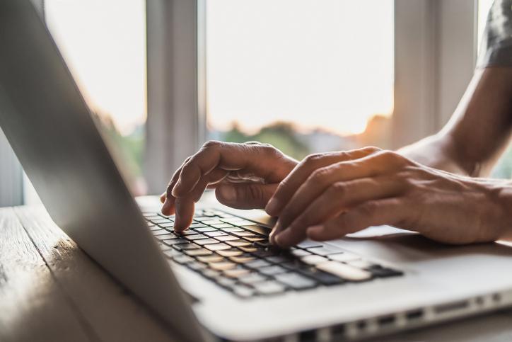 up-close-hands-laptop