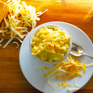 Cheesy Crockpot Mac and Cheese