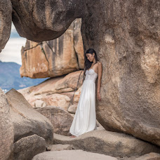 Wedding photographer Vika Tolmacheva (Viko). Photo of 18.04.2014