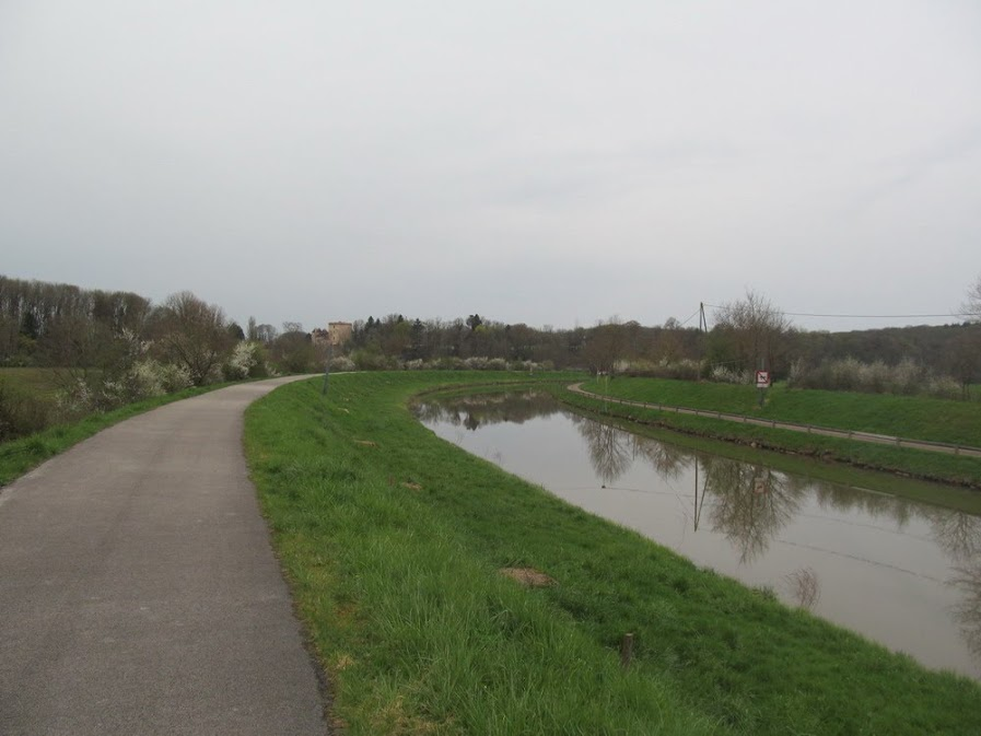 Франция общественным транспортом. Paris - La Rochelle - Toulouse - Lourdes - Carcassone - Montpellier - Nimes - Avignon - Besançon - Vesoul - Paris
