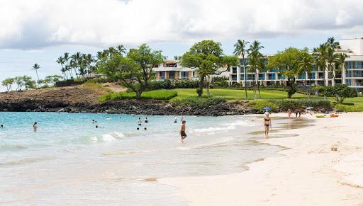 hapuna-beach-hawaii-looking-north.jpg - Hapuna Beach on the Big Island of Hawaii looking north.