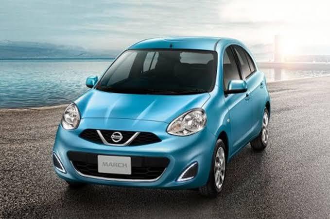 ดีไซน์ภายนอกรถยนต์ : Nissan March EL CVT