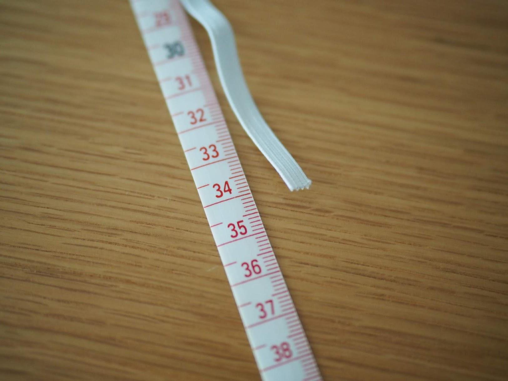 ゴムひもの長さは34cmくらい