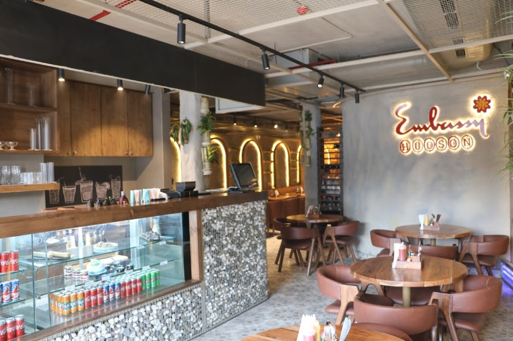 embassy-restaurant-hudson-lane_1