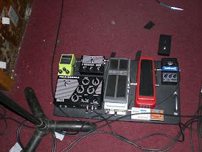 Photo: Landau's pedal board.