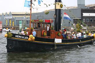 Photo: Sail 2005 Foto: Ed Lemson