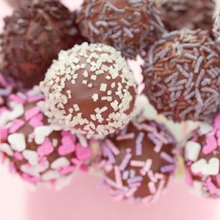 Chocolate Cake Pops.