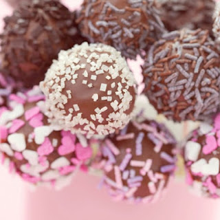 Chocolate Cake Pops.
