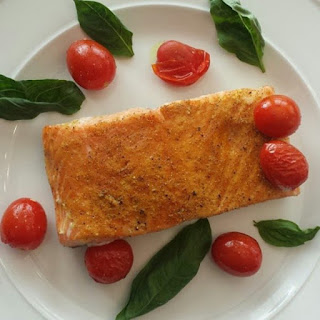 Simple Curry Salmon with Roasted Tomatoes