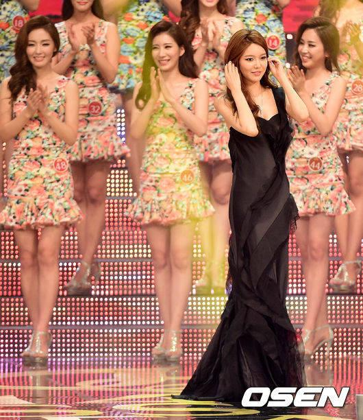 sooyoung gown 29