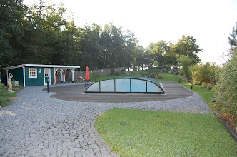 Photo: Voor de geïntereseerden: overdekt zwembad en saunaruimte ...