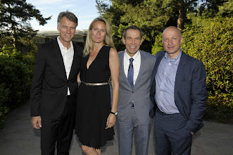 Photo: Claus-Dietrich Lahrs (CEO HUGO BOSS AG) with his wife Iris, Jeff Koons and Samuel Keller (Director FONDATION BEYELER)  (c) Tinnefeld