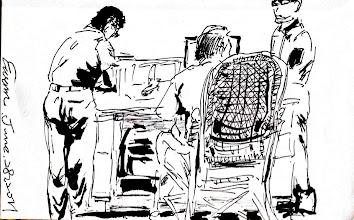 Photo: 尖峰時刻2011.06.28鋼筆 科員坐鎮勤務中心,開始監獄忙碌的一天…