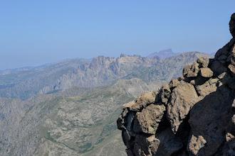 Photo: v pravej časti zľava úplne vzadu Capu Tafonato (2343m), Paglia Orba (2525m), pár metrov z pod vrchola Monte d´Oro