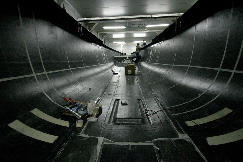 ANSYS - Инженеры, проектирующие эту композитную парусную яхту, должны учитывать внутренние напряжения и коробления при изготовлении