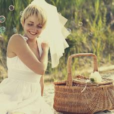 Wedding photographer Lyudmila Dobrynina (Ludkina). Photo of 23.10.2013