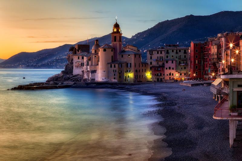 Ascoltando la risacca sussurare al silenzio di Sergio Locatelli