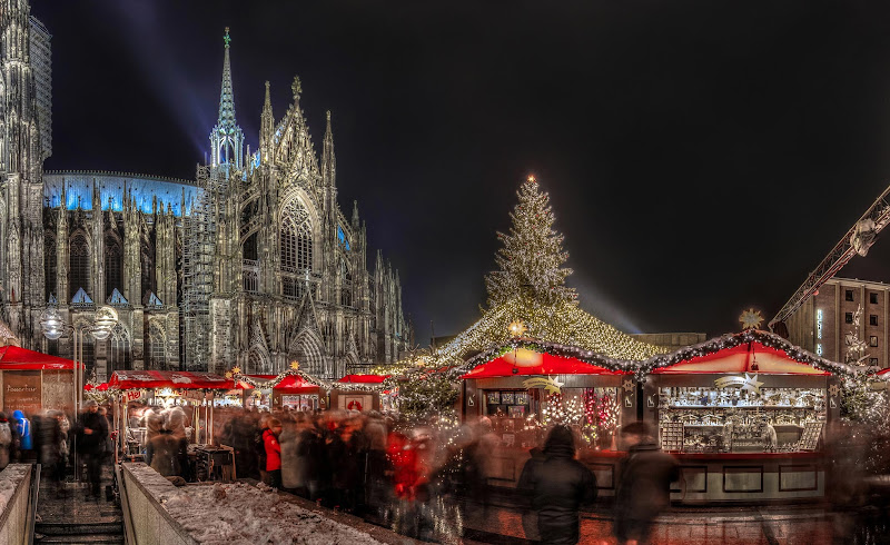 The Christmas market, or Weihnachtsmarkt, in Cologne, Germany. Jason Mrachina:
