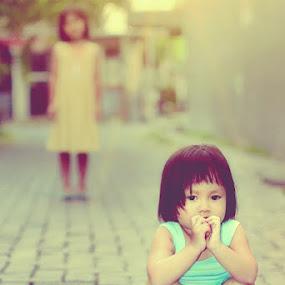 Don't disturbe me... by Lensa Surabaya - Babies & Children Children Candids ( lensa surabaya )