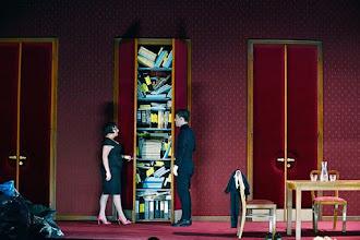 Photo: WIEN/ Burgtheater: Eugène Labiche ‹Die Affäre Rue de Lourcine›. Erweiterte Fassung von Elfriede Jelinek. Premiere am 18.4.2015. Maria Happel, Markus Meyer. Copyright: Barbara Zeininger