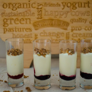 Healthy Parfait with Yogurt and Turmeric Recipe