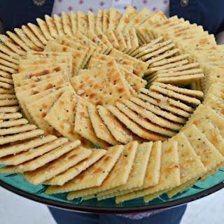 Aunt Looney's Easy Peasy Party Crackers.