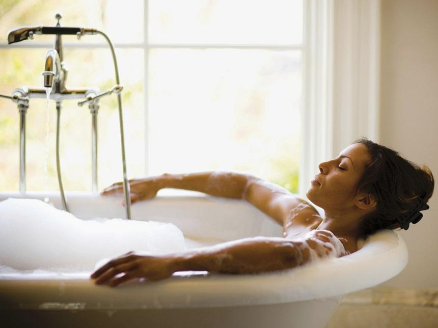 Tắm nước lạnh giúp tâm trạng tốt hơn