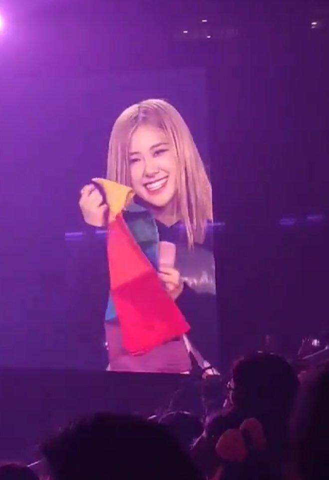 BLACKPINK Rosé holding Pride Flag