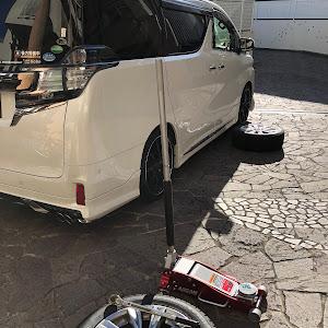ヴェルファイア AGH30W のタイヤのカスタム事例画像 がありん@スタッドレスの性能発揮出来ず🏔さんの2018年12月29日11:28の投稿