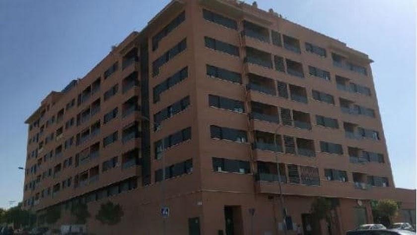 Viviendas en calle Imperio Argentina/ Calle Pinito del Oro