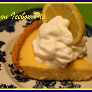 Old Fashioned Lemon Icebox Pie!.