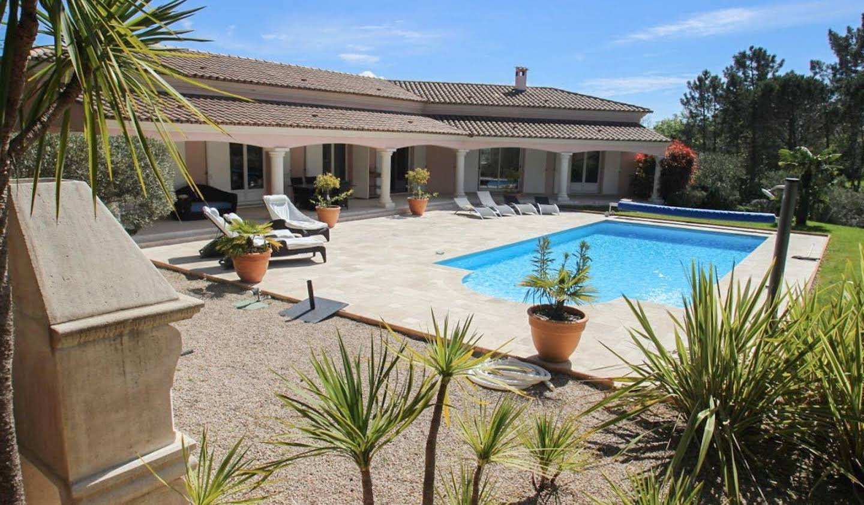 Villa avec terrasse Bagnols-en-Forêt