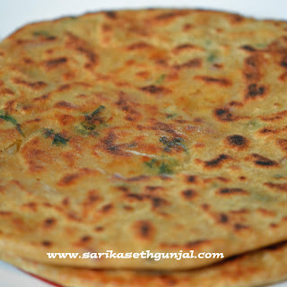 Aloo Paratha With Onions Recipes