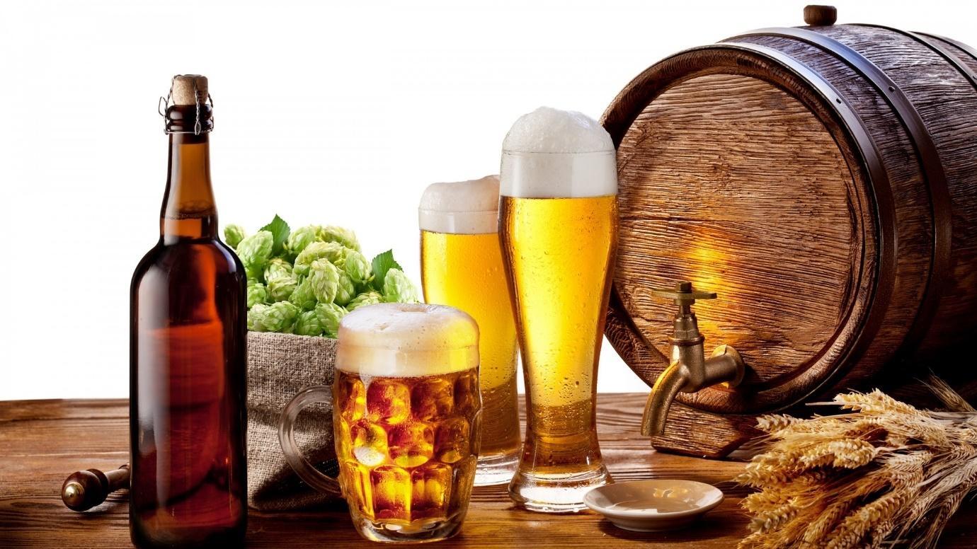 Ảnh có chứa uống, bia, đồ uống, cồn  Mô tả được tạo tự động