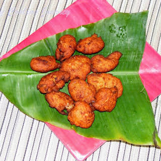Koat Pitha from Tripura – Deep fried Rice flour fritters with Banana.