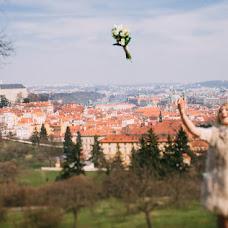 Wedding photographer Viktor Lomeyko (ViktorLom). Photo of 15.04.2016