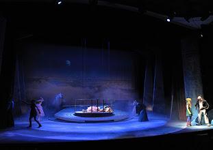 Photo: WIEN/ Akademietheater: DIE SCHNEEKÖNIGIN - Märchen von Hans Christian Andersen. Inszenierung: Anette Raffalt, Premiere 15. November 2014. Alina Fritsch, André Meyer. Foto: Barbara Zeininger