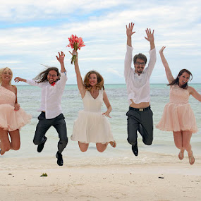 by Andrew Morgan - Wedding Groups