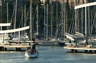Photo: Kääntösilta aukeaa aina tarvittaessa - täällä veneet menevät ensin, jalankulkija sitten