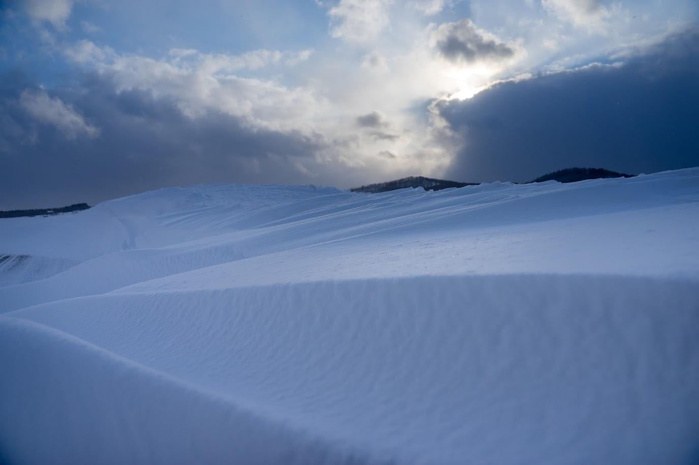 風が奏でるスノーアート
