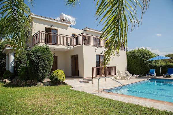 Coral Bay Sunlight Villa