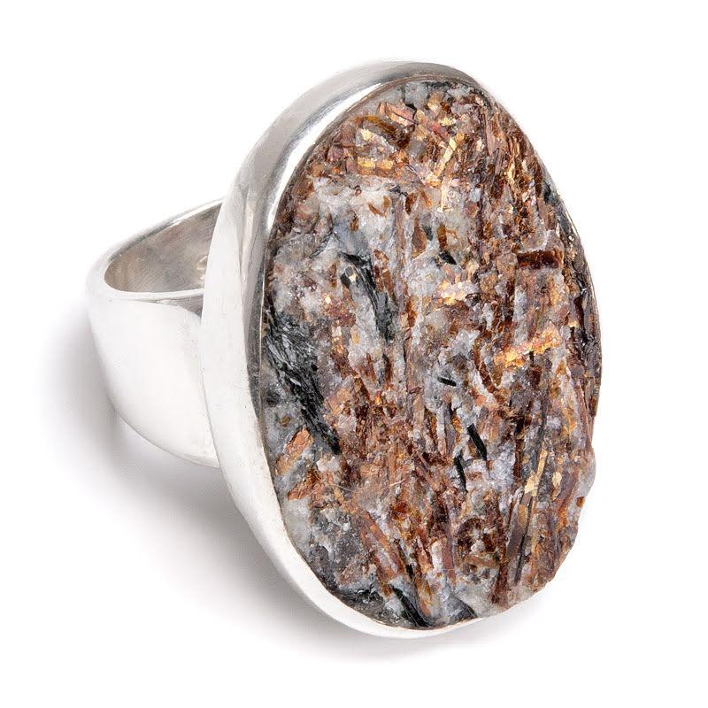 Astrofyllit, silverring i toppkvalitet i två olika stenstorlekar