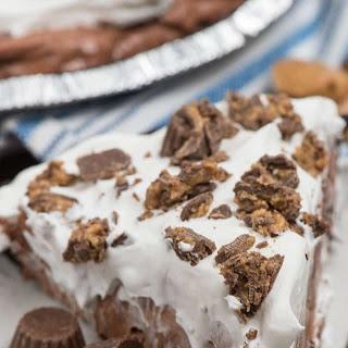 The BEST No Bake Chocolate Peanut Butter Pie.